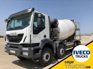 camião betoneira IVECO TRAKKER 400