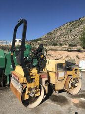 compactador de asfalto DYNAPAC CC 142